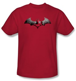 Batman T-Shirt ? Arkham City In The City Adult Red Tee